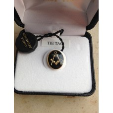 Masonic tie pin with symbol, black enamel, 18K gold plated